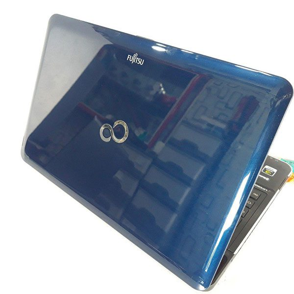 خریدار لپ تاپ دست دوم Fujitsu LifeBook AH531